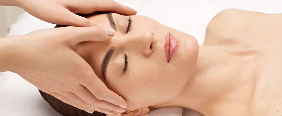 Facial-massage-at-Springs-Beauty